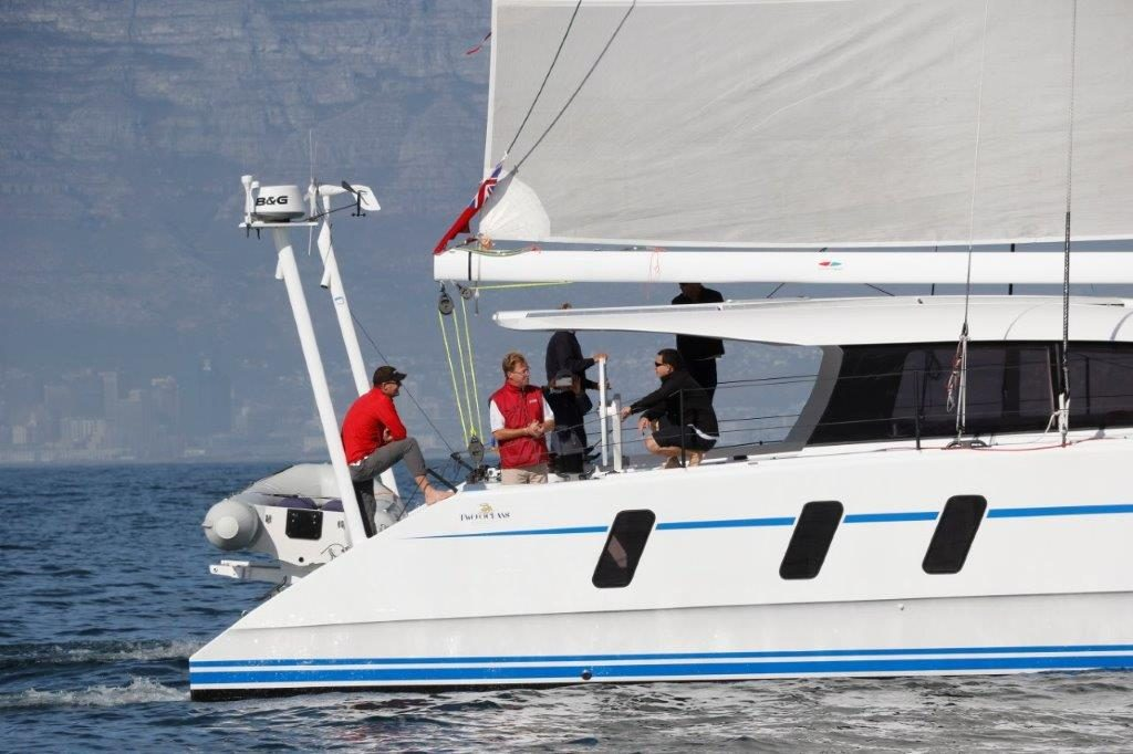 M60_carbon_performance-catamaran (15)