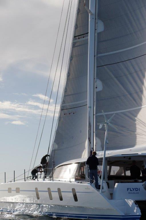 M60_carbon_performance-catamaran (4)